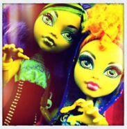 Diorama - werewolf sisters