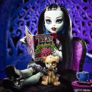 Diorama - Frankie and Watzit