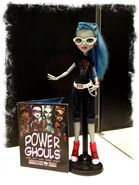 Diorama - SDCCI 2013 Ghoulia with comic