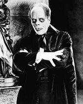 Monster history - 1925 movie Phantom design