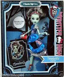 Monster-high-doll-scary-tale-threadarella-frankie-stein-a6132229c00a476e4ca944de77950a03