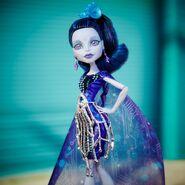 Diorama - Elle's here