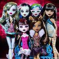 Diorama - group photo of Original Ghouls.jpg