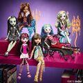 Diorama - Original Ghouls on the bookshelf.jpg