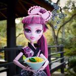 Diorama - Draculaura's Japanese dish