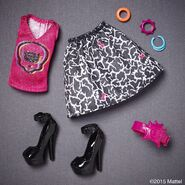 Diorama - Iris's outfit 3