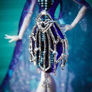 Diorama - Elle's belt