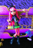 Diorama - Howleen's beatnik look