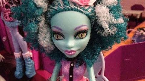 Monster High Dreams - S2 E16 - Scary Movie!