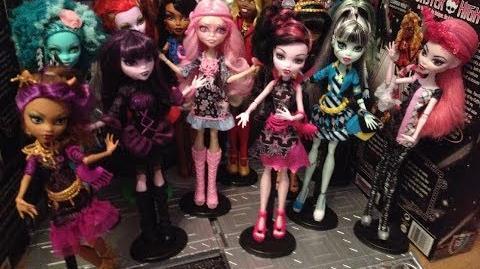 Monster High Dreams - The Vampire Queen in Hauntlywood Full Special