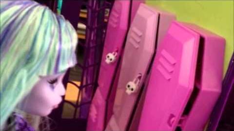 Monster High Dreams - Intro - Season 1 Episode 1 5