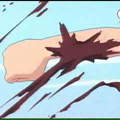 Wurm Attacke tritt Genki am Arm
