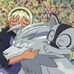 Nina, Wolfszahn und Hopper umarmen sich.