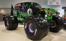 Grave-Digger-Monster-Truck BKT-Wheels
