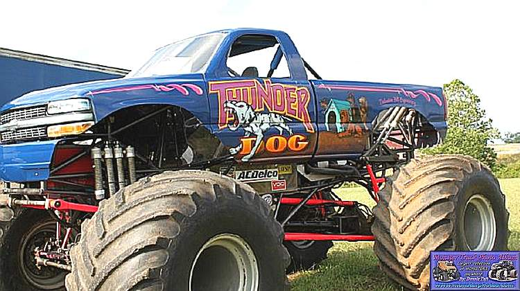 Monster Truck Dog >> Thunder Dog Monster Trucks Wiki Fandom Powered By Wikia