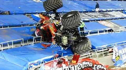 Monster Jam World Finals - Racing crash into stands!!!