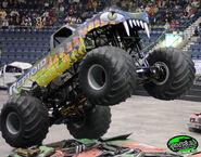 Reptoid backwards tires