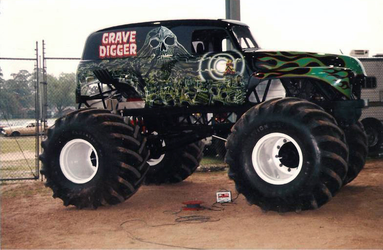 grave digger 4 monster trucks wiki fandom powered by wikia. Black Bedroom Furniture Sets. Home Design Ideas