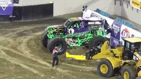 FREESTYLE TWO GRAVE DIGGERS MONSTER JAM JACKSONVILLE FL 2014