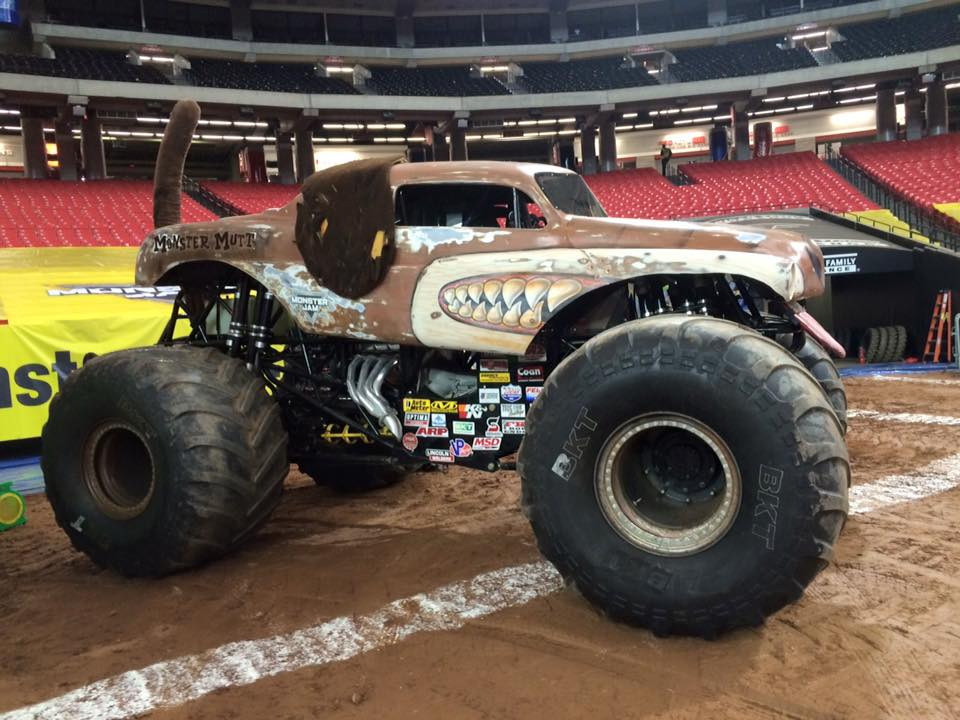 Monster Mutt Junkyard Dog | Monster Trucks Wiki | FANDOM powered ...