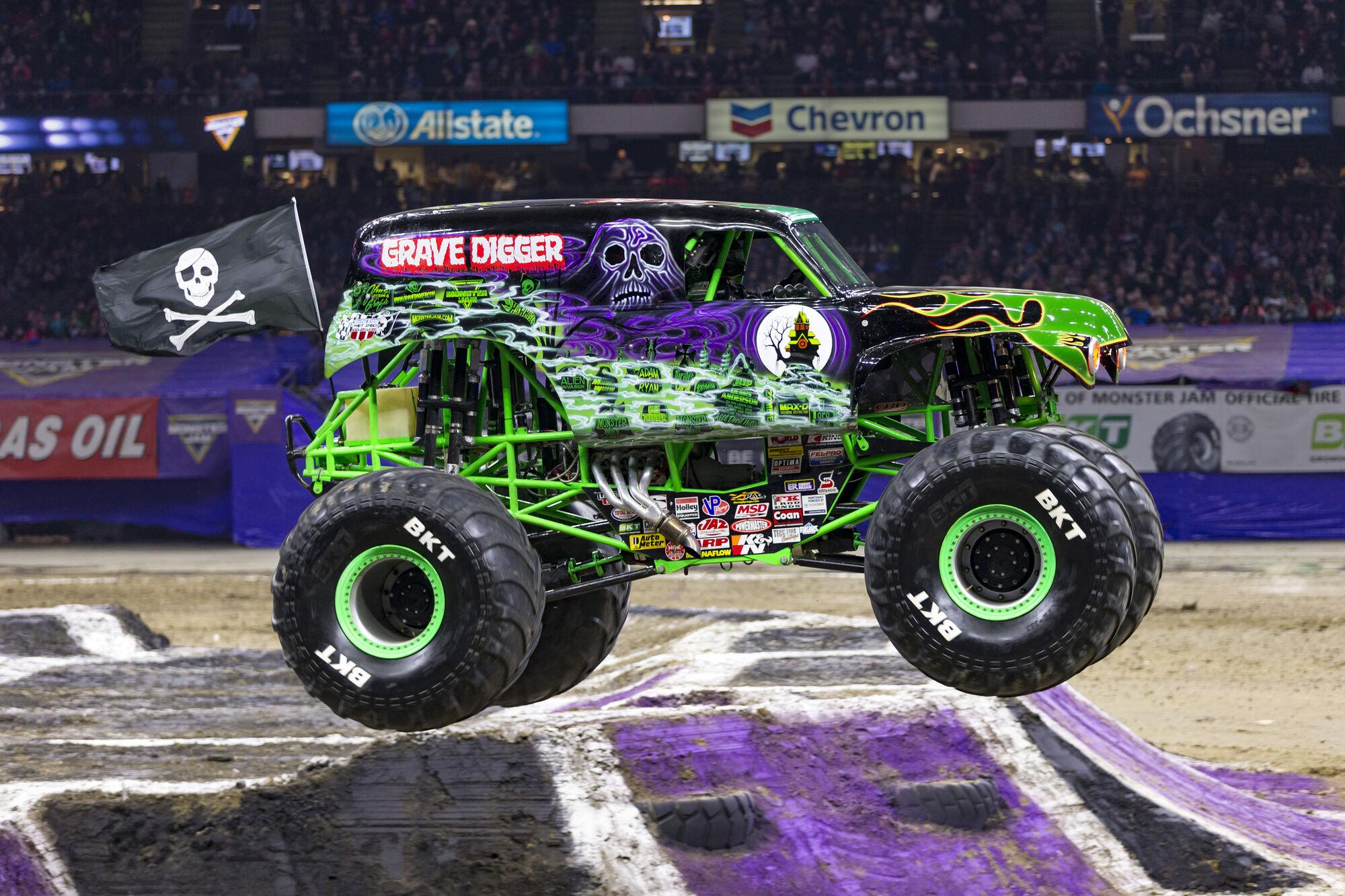 Grave Digger 33 Monster Trucks Wiki Fandom Powered By