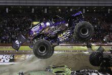 Monster Truck Son Uva Digger 2011