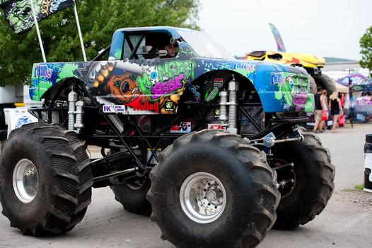 Monster Bear Monster Trucks Wiki Fandom Powered By Wikia