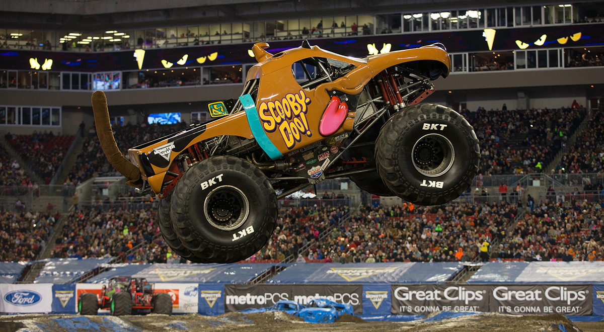 How do you make a monster truck Grave Digger