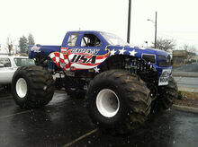 23257-banner-captain-usa-monster-truck-driven-by-Travis-Groth-of-gig-harbor