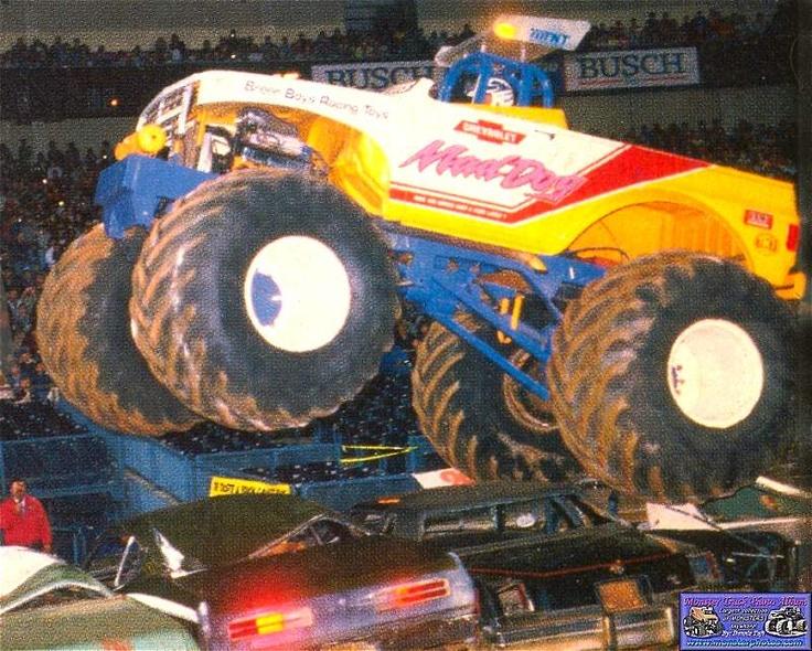 Monster Truck Dog >> Mad Dog Monster Trucks Wiki Fandom Powered By Wikia