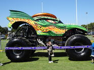 Monster jam adelaide 2014 dragon 01 by lizardman22-d82gals