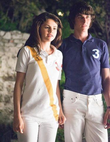 File:-Monte-Carlo-Movie-Stills-HQ-monte-carlo-22410356-600-770.jpg
