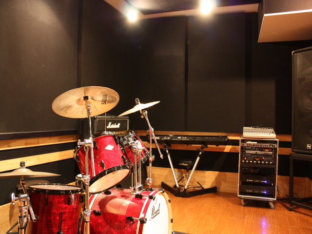 File:Band Record Studios.png