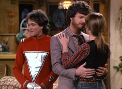 Mork & Mindy episode 1x24 - It's a Wonderful Mork -Mork firnds that Mindy's married