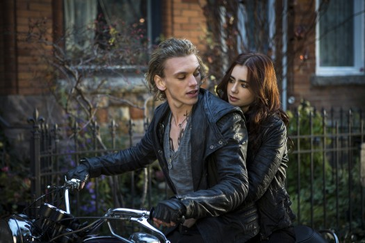 File:Jace-and-Clary-Bike-525x350.jpg