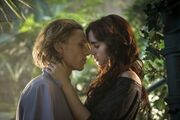 Jace-and-Clary-Kiss-525x350