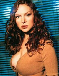 Laura-prepon-biography