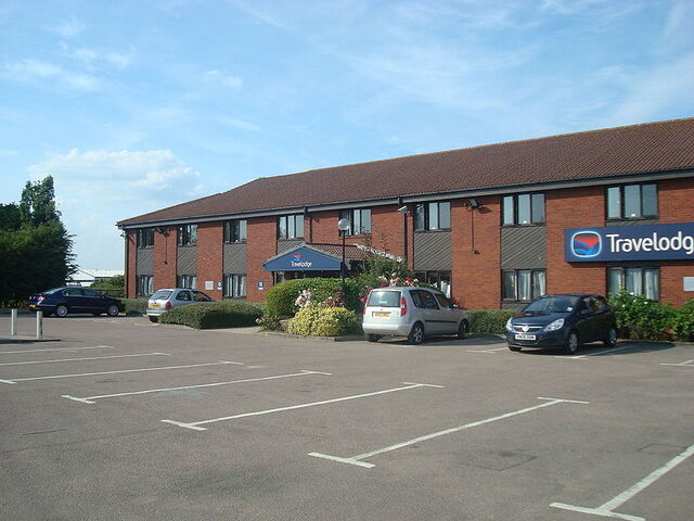 File:800px-Swavesey Travelodge.jpeg