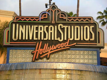 1280px-Universal Studios Hollywood sign 2