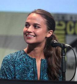 Alicia Vikander 2015 Comic-Con 03