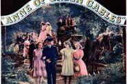 1934 Anne Diana und Gilbert draußen