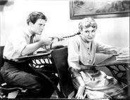 1934 Gilbert und Anne in der Schule