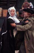 Anne als Nonne