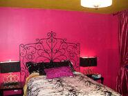 HHRLS102 Natalie-Olivias-bedroom-after s4x3 lg