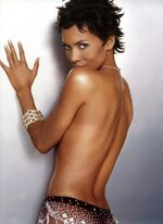 Halle-berry-topless-back-4fa4b5c2-1739-102f-ad72-0019b9d5c8df