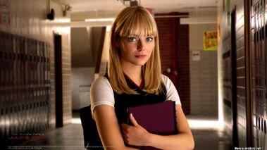 Emma-Stone-as-Gwen-
