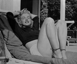 Annex - Monroe, Marilyn NRFPT 033