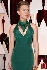 Scarlett-Johnson-Oscars-2015-Awards-Red-Carpet-Fashion-Atelier-Versace-Tom-Lorenzo-Site-TLO-1