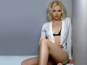 Scarlett-johansson-1600x1200-23322