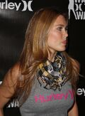 BarRefaeli Hurleys-Walk-The-Walk-Fashion-Show VettriNet-09